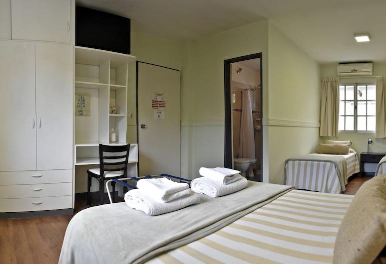 阿布里爾精品飯店, 曼多薩, 四人房, 客房