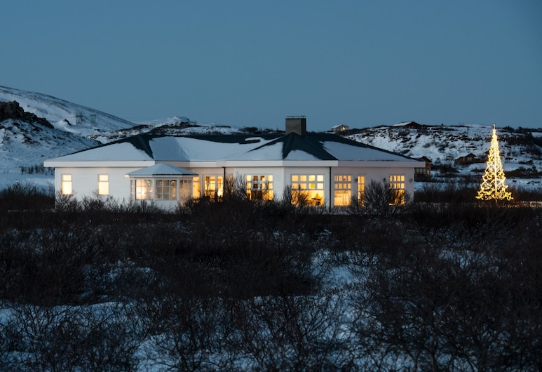 Hotel Grimsborgir – Your Golden Circle Retreat, Selfoss, Apartment, 4 Bedrooms with 1,5 Bathrooms, Hot Tub, Habitación