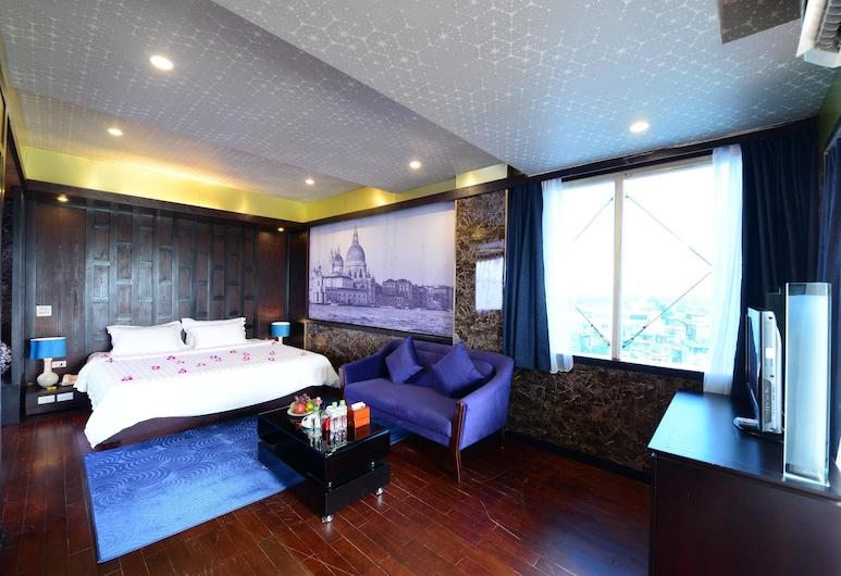 Antique Legend Hotel, Hanoi, Junior Suite, 1 King Bed, City View, Guest Room