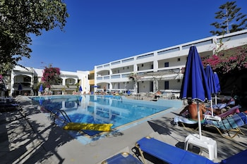 Picture of Apollon Hotel Apartments in Rethymnon