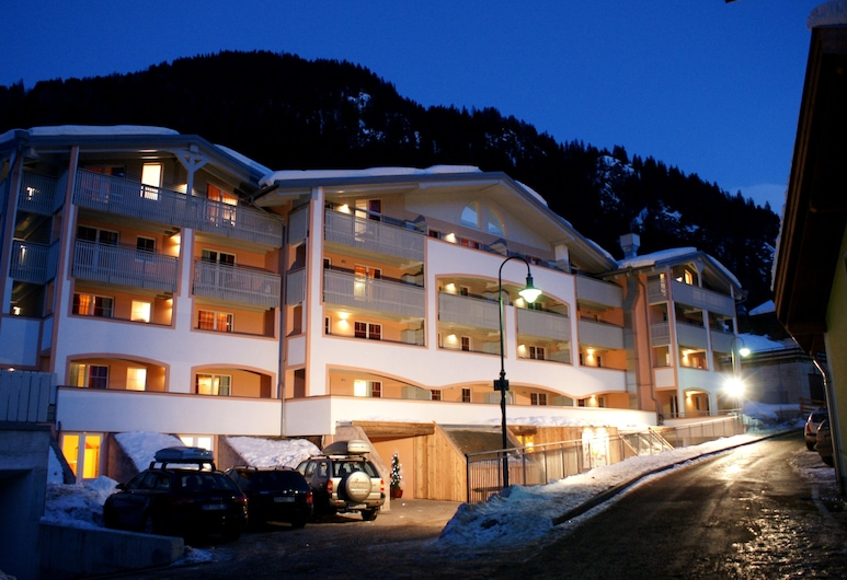 Al Sole Clubresidence, Canazei, Hotel Front – Evening/Night
