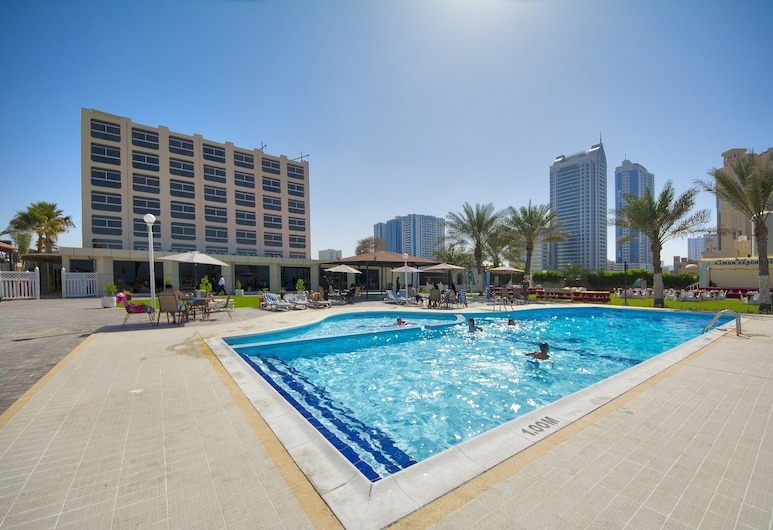 Ajman Beach Hotel, Ajman, Outdoor Pool