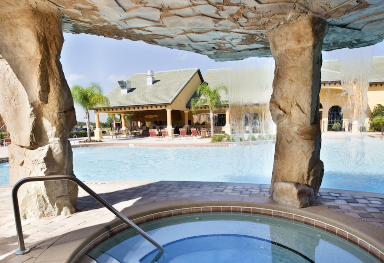 Paradise Palms Resort by Global Resort Homes, Kissimmee, Kúpele