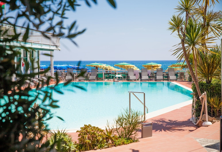 Hotel Gabriella, Diano Marina, Pool på tagterrassen