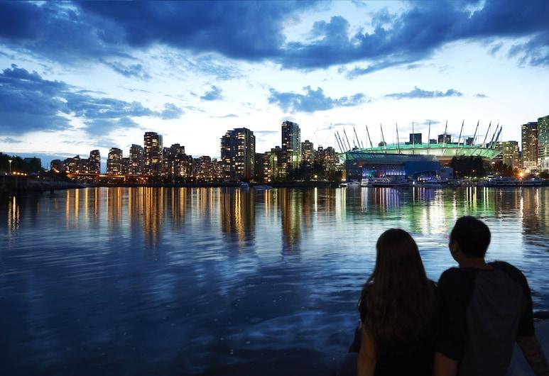 The Burrard, Vancouver, Otelden görünüm