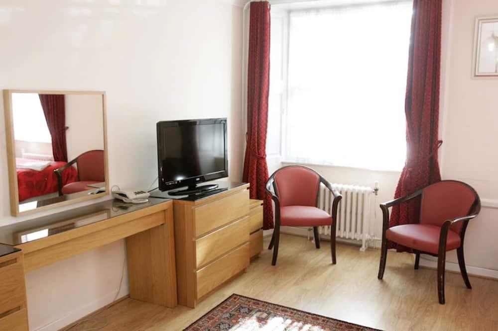 Deluxe Twin Room, Ensuite - Living Area