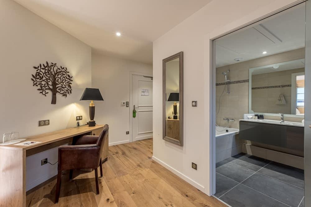 New - Prestige Double Room (The Park) - Bathroom