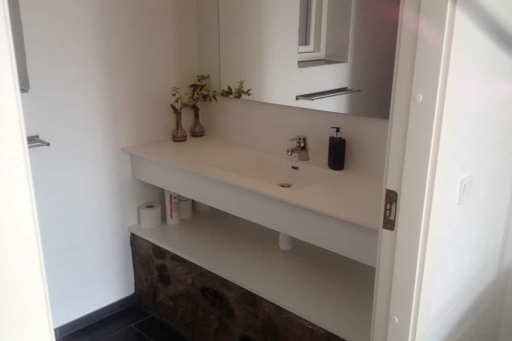 Apartment for 2 people - Baðvaskur