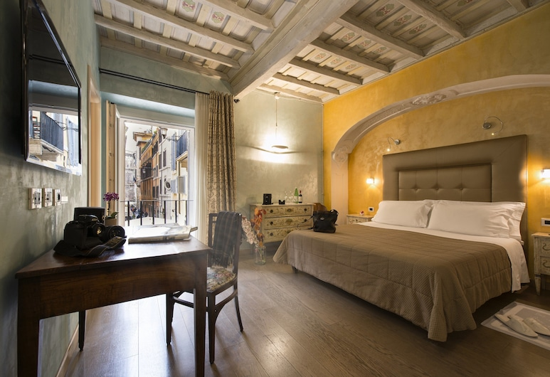 Relais Maddalena, Rome, Superior Double Room Single Use, 1 King Bed, Ensuite, City View, Guest Room