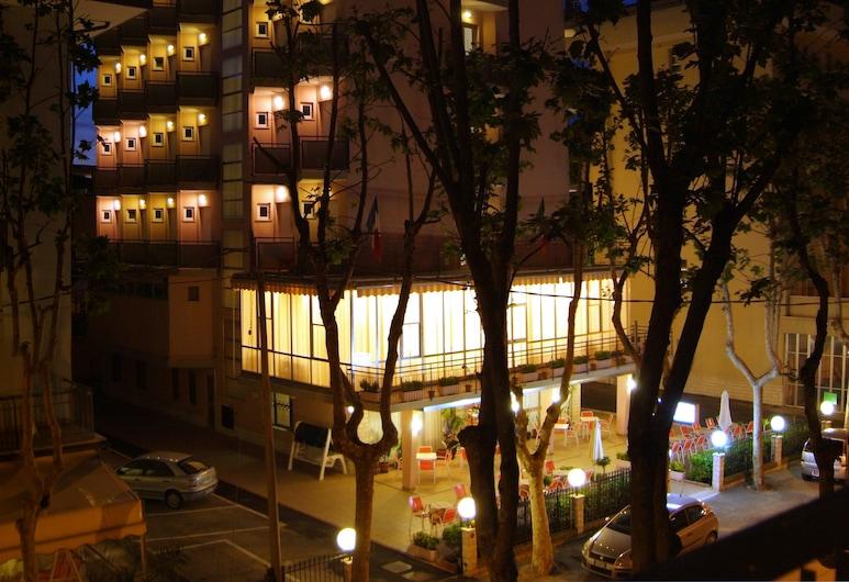 Euromar, Rimini, Facciata hotel (sera/notte)