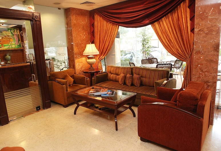 Mozart Hotel, Beirut, Sitzecke in der Lobby