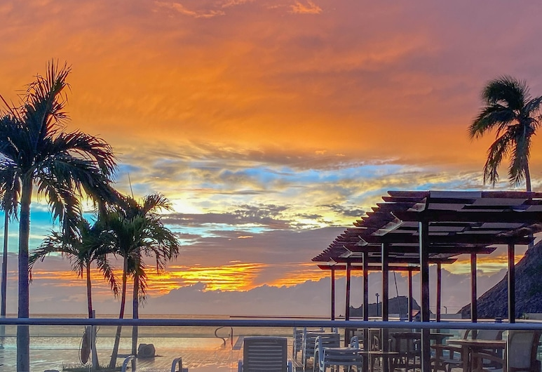Hotel Tamacá Beach Resort , Santa Marta, Πισίνα με θέα
