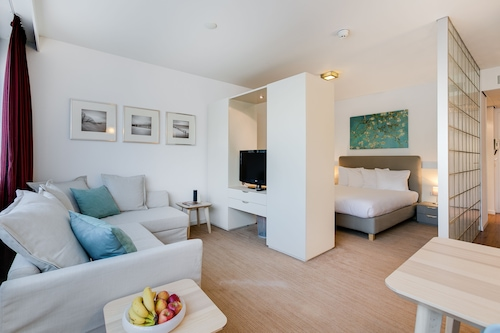 阿姆斯特丹阿姆斯特爾芬服務式公寓飯店/