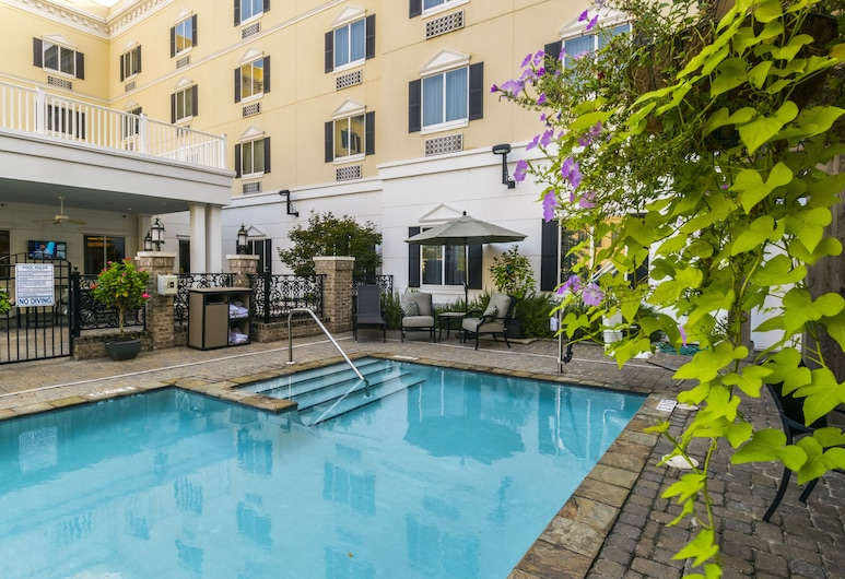 Candlewood Suites Downtown, מוביל