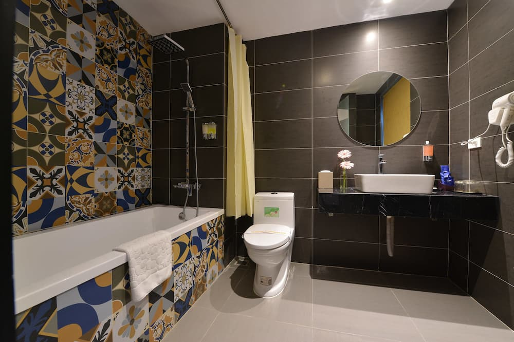 City-Suite, Stadtblick - Badezimmer
