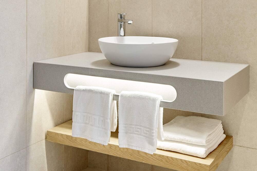 Suite adaptada con vistas laterales al Mar: - Bilik mandi
