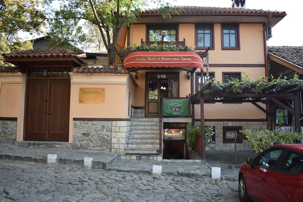 Family Hotel at Renaissance Square, Plovdiv