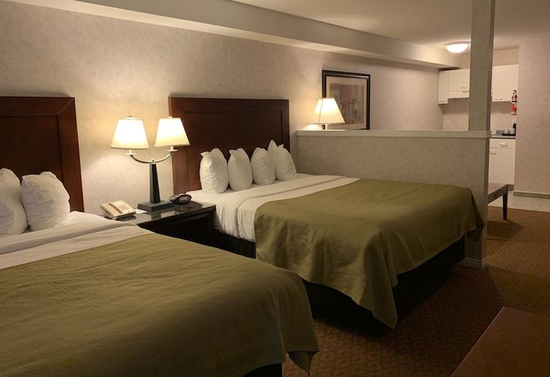 Pacific Inn & Suites, Kamloops, Zimmer, Mehrere Betten, Zimmer