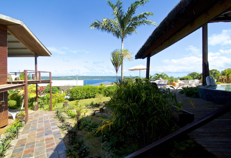 Deco Stop Lodge, Luganville, Double or Twin Room – Fan Cooled, Balcony
