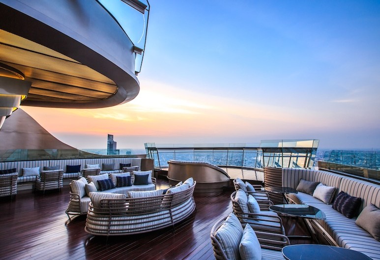 Tower Club at lebua (The World's First Vertical Destination) , バンコク, ホテル バー