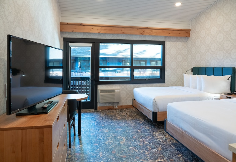 The Dorothy Motel, Banff, Superior Room, 2 Queen Beds, Guest Room