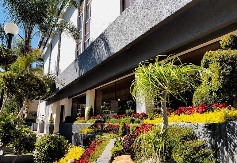佩爾戈拉斯酒店, 瓜達拉哈拉, 酒店正面