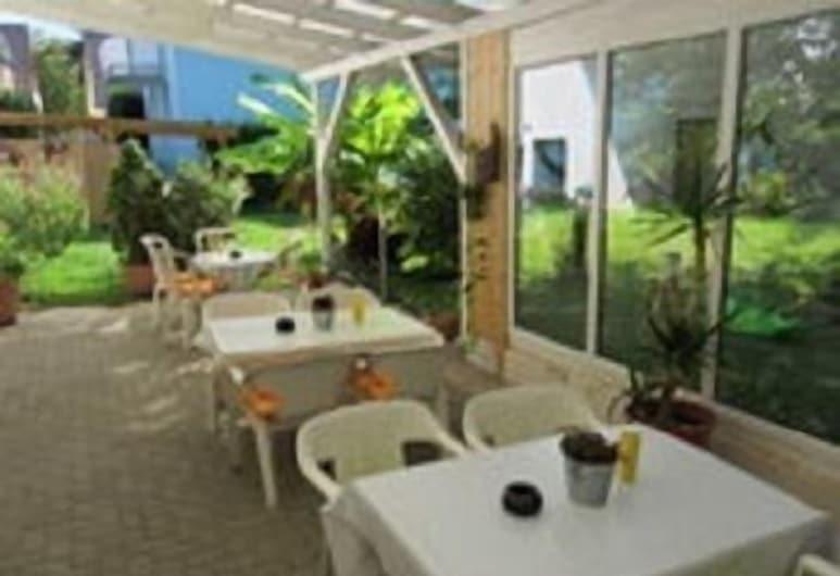 Gästehaus Spoth, Rust, Terrasse/Patio