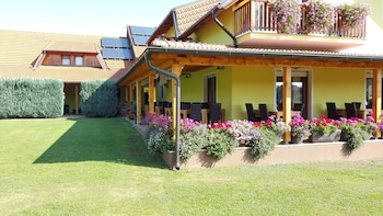 Picture of House Tina - Bed and Breakfast in Rakovica
