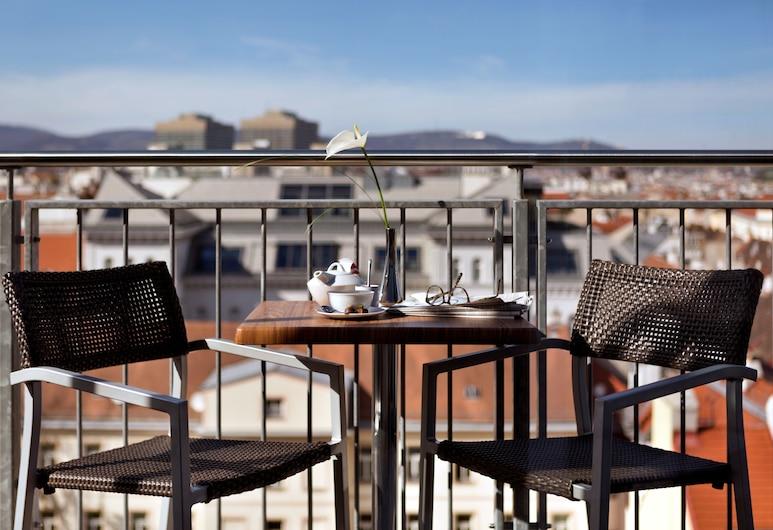 Fleming's Selection Hotel Wien-City, Wien, Deluxe-Doppelzimmer, Balkon, Stadtblick, Balkon