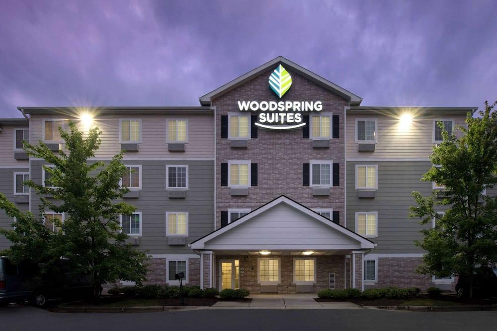 WoodSpring Suites Raleigh Apex