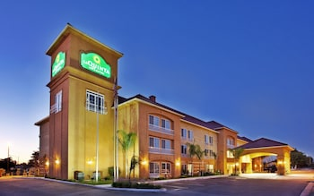 Choose This Cheap Hotel in Fowler