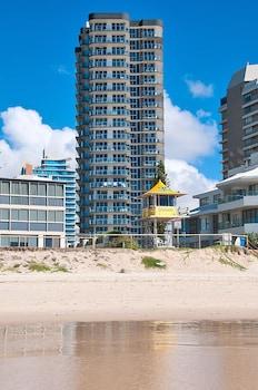 Picture of Sunbird Beach Resort in Main Beach