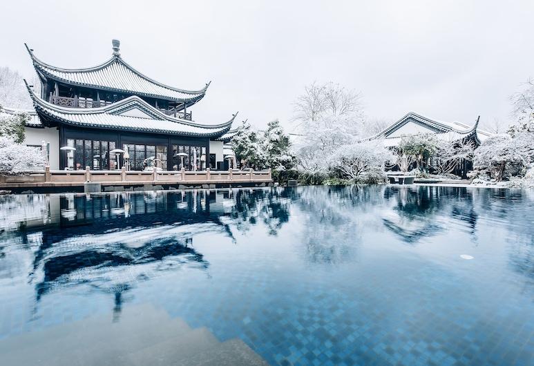 Four Seasons Hotel Hangzhou at West Lake, Hangzhou, Bagian luar