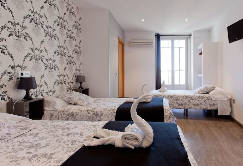 Hostal Abril, Madrid, Trojlôžková izba, súkromná kúpeľňa, Hosťovská izba