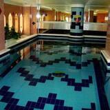 Royal Crown Hotel & Suites