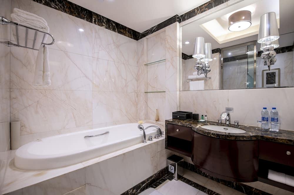 חדר דה-לוקס, מיטת קינג - חדר רחצה