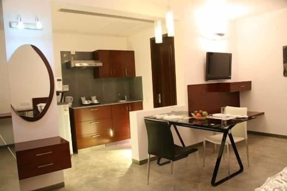 Standard-Apartment, Kochnische - Essbereich im Zimmer