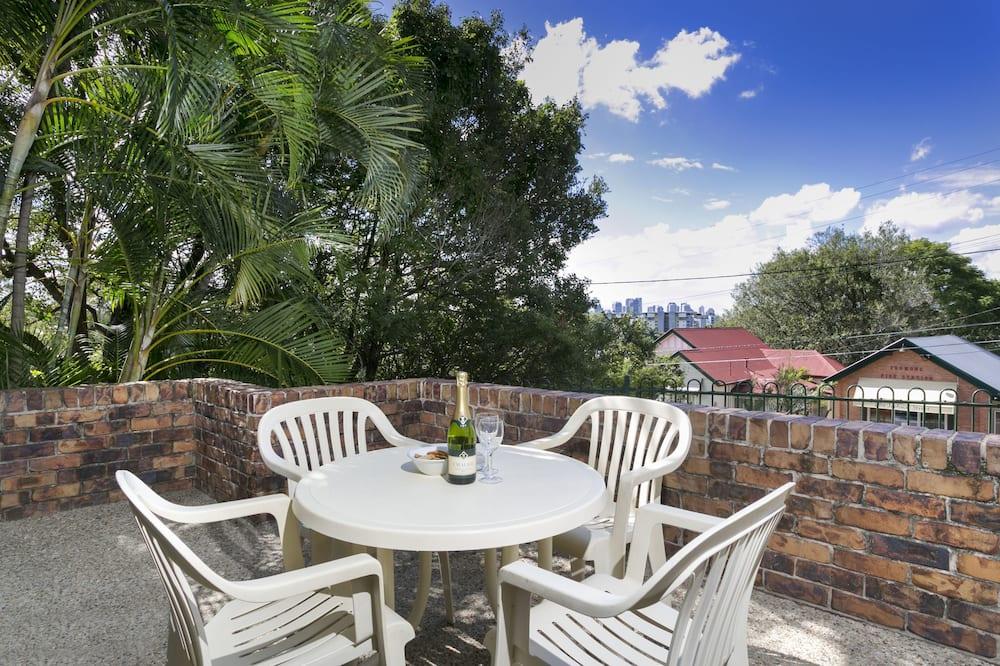Standard Apartment, 2 Bedrooms, Kitchen, Garden View - Balcony