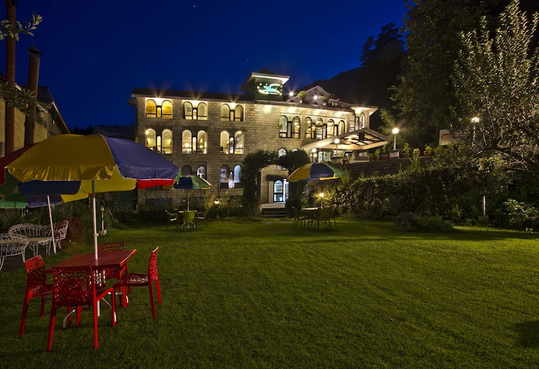 The Orchard Greens, Manali, Outdoor Dining