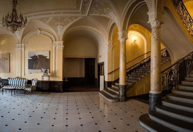 George Hotel, Lviv, Lobi