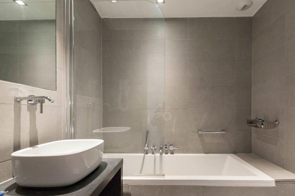 Klasikinio tipo dvivietis kambarys, 1 miegamasis - Vonios kambarys
