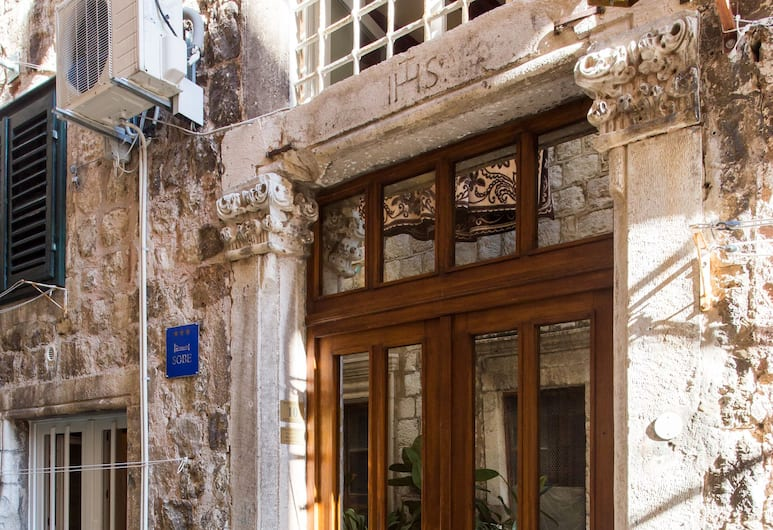 Rooms Vicelic Guest House, Dubrovnik, Property entrance