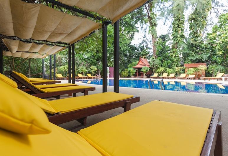 Tropica Bungalow Resort, Patong, Sundeck