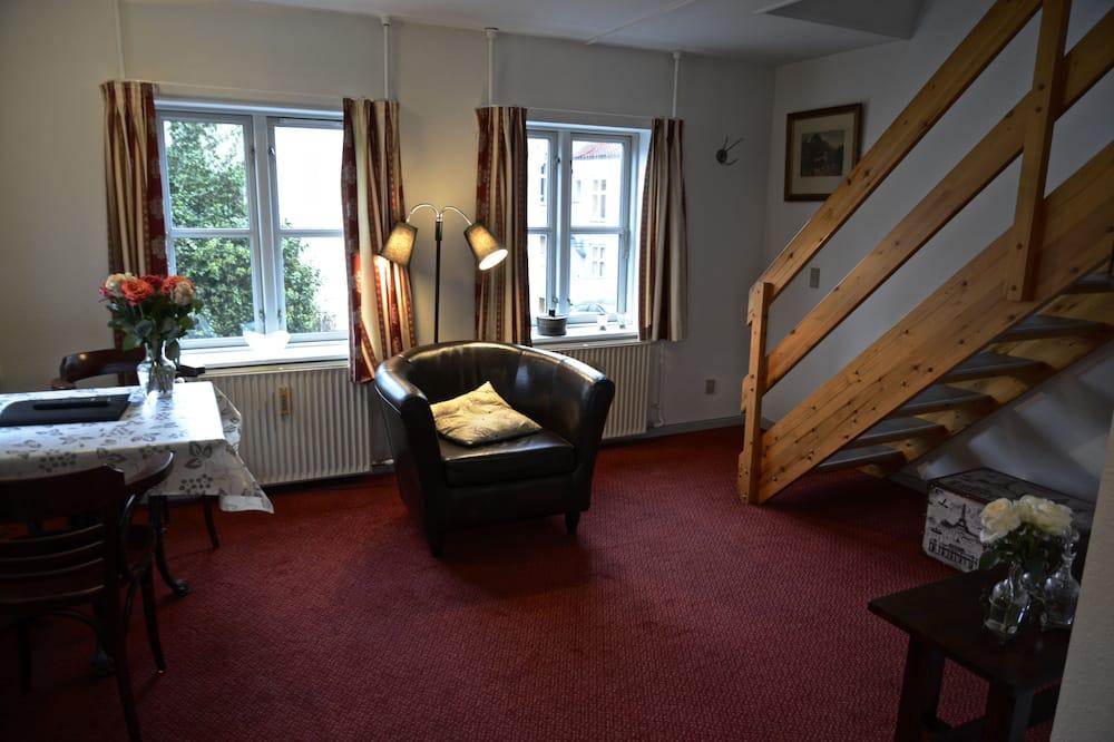 Apartment, Kitchenette (Sidebygning - B2LEJ) - Living Area
