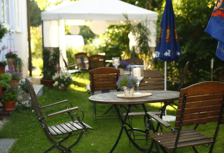 Hotelpension zum Gock'l, Аллерсгаузен, Територія готелю