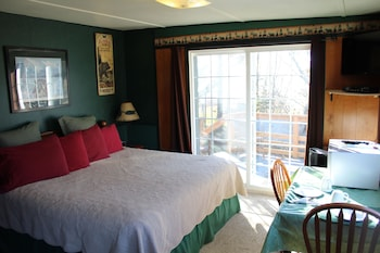 Choose This Cheap Hotel in Homer