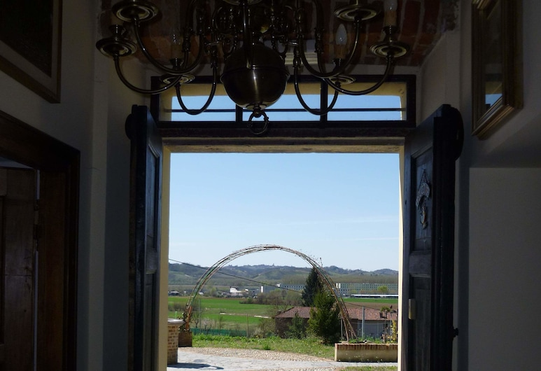 Casa Tavasso, Asti, Okolica objekta