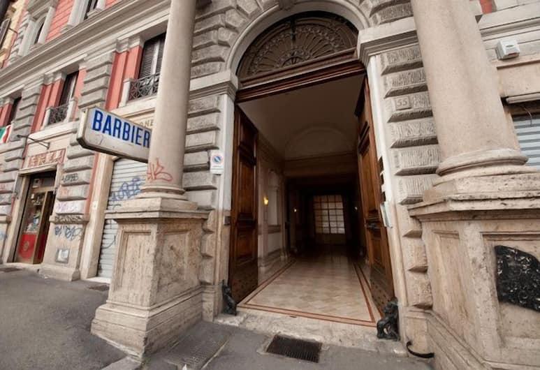 Cesar Palace - B&B, Rome, Entrée de l'hôtel