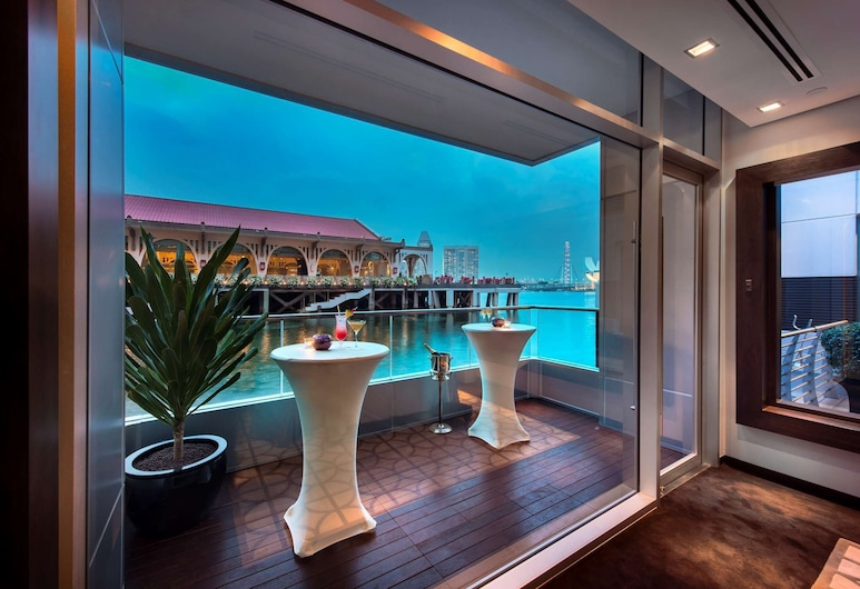 The Fullerton Bay Hotel, Singapore, Utvendig