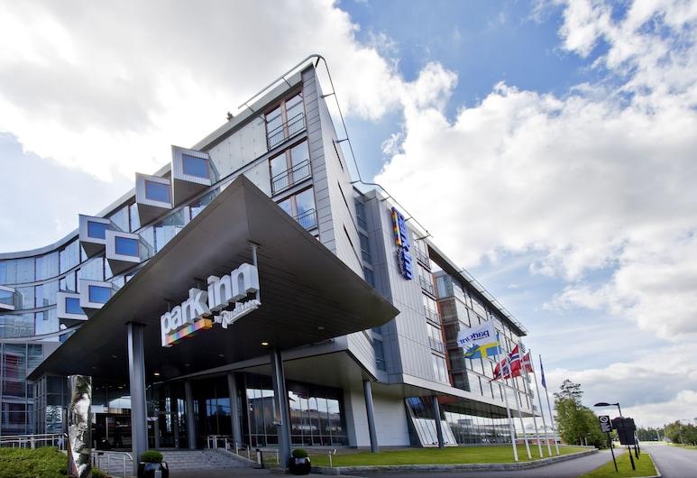 Park Inn by Radisson Oslo Airport, Ullensaker, חזית המלון